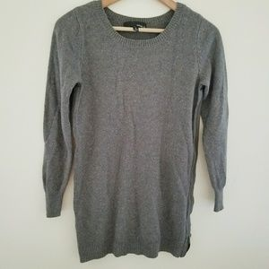 Kaisley Speckled Side Zipper Sweater Size S